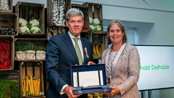 Dick Boer receives royal decoration at farewell event with external stakeholders